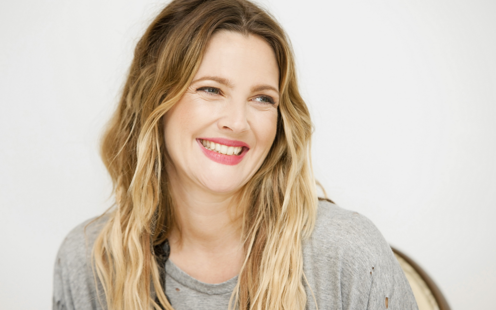 Interview With Drew Barrymore, 1-25-17 | The Social Justice Project