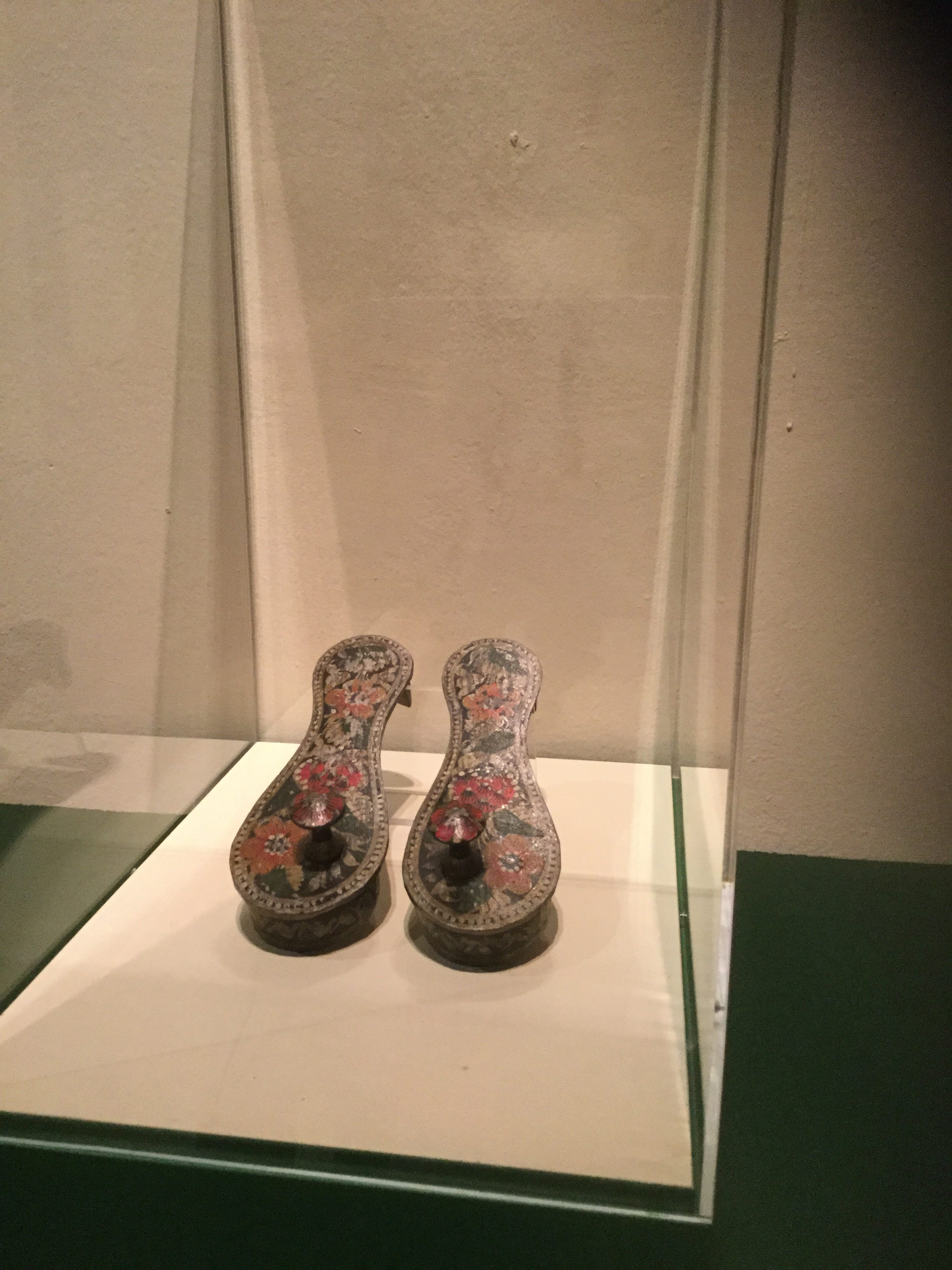 shoes-2czcds7