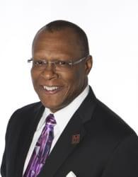 Photo of Dr. Stephen Thomas