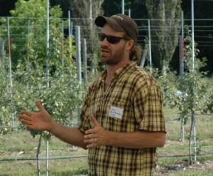 OrganicA grower informational tour, 2009