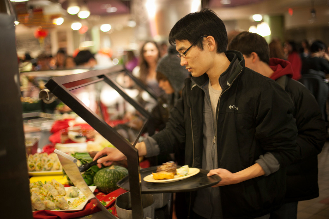 how to make the most of a college undergraduate admissions e at the campus food