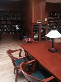 Becker House library