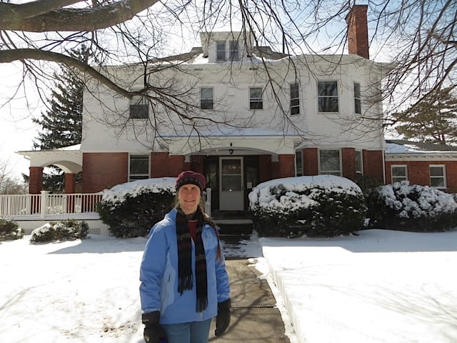 photo of Jen in front of IPM House