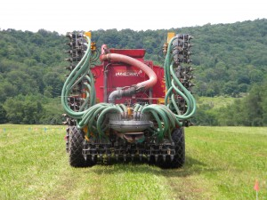 Veenhuis Manure Injector with wings folded up