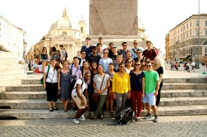 The whole class at  Piazzo del Popolo