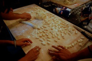 Lots of hands for lots of gnocchi!