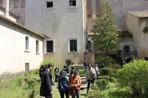 Students explore the complex of the Charterhouse in Padula.