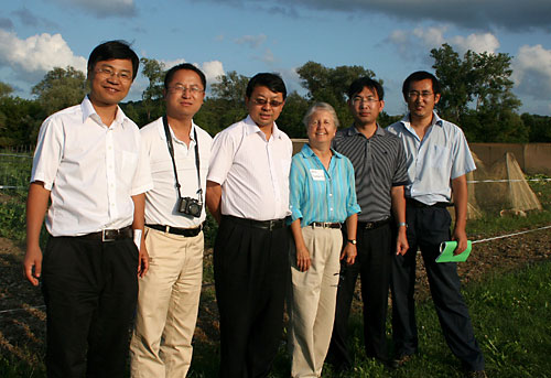 Visiting scientists from College of Resource and Environmental Sciences at China Agricultural University with host Laurie Drinkwater at the Freeville Organic Research Farm.