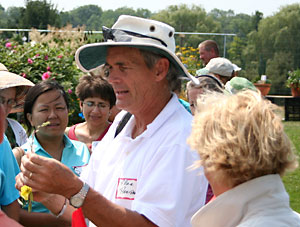 Allan Armitage leads perennial flower walkabout at 2005 Cornell Floriculture Field Day.