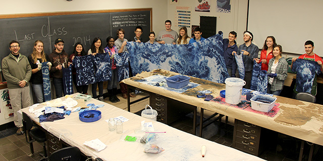 HORT 1101 students with banner and clothing dyed in Friday's lab.