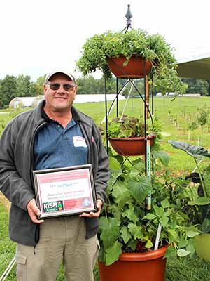 Donald Horowitz '77, Wittendale's Florist & Greenhouses, East Hampton, N.Y. took first place in the new Edibles Division in the 2015 Kathy Pufahl Memorial Container Design Competition. He also finished first in the Hanging Basket Division and third in the Open Division.