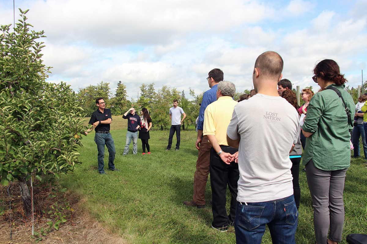 Peck talks cider apple production at 2016 cider field day at Cornell Orchards.
