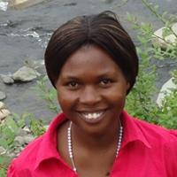 Paula Iragaba – Graduate Student