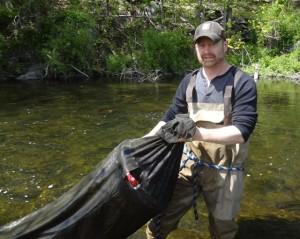 Tim-Stanley-checking-eel-nets-1