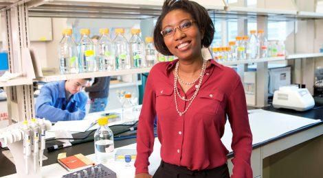Prof. Ludmilla Aristide in her lab