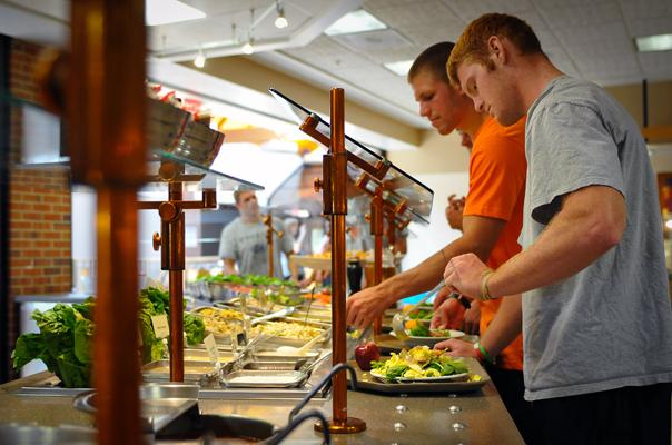 Eating healthy in college dining hall