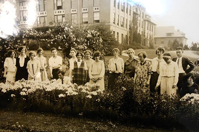 minns garden students