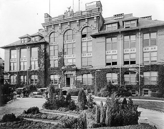 roberts hall 1920s