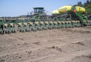 2013 CORN AND SOYBEAN PLANTING AND EMERGENCE 033