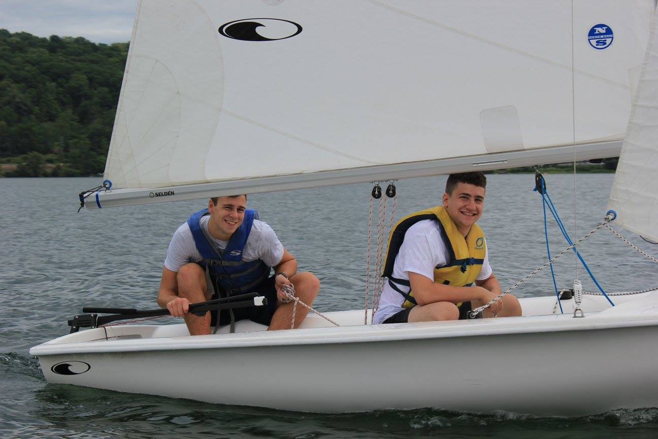 Sailing-15s8vkc