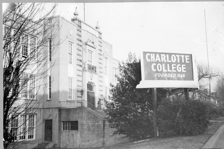 charlotte-college001