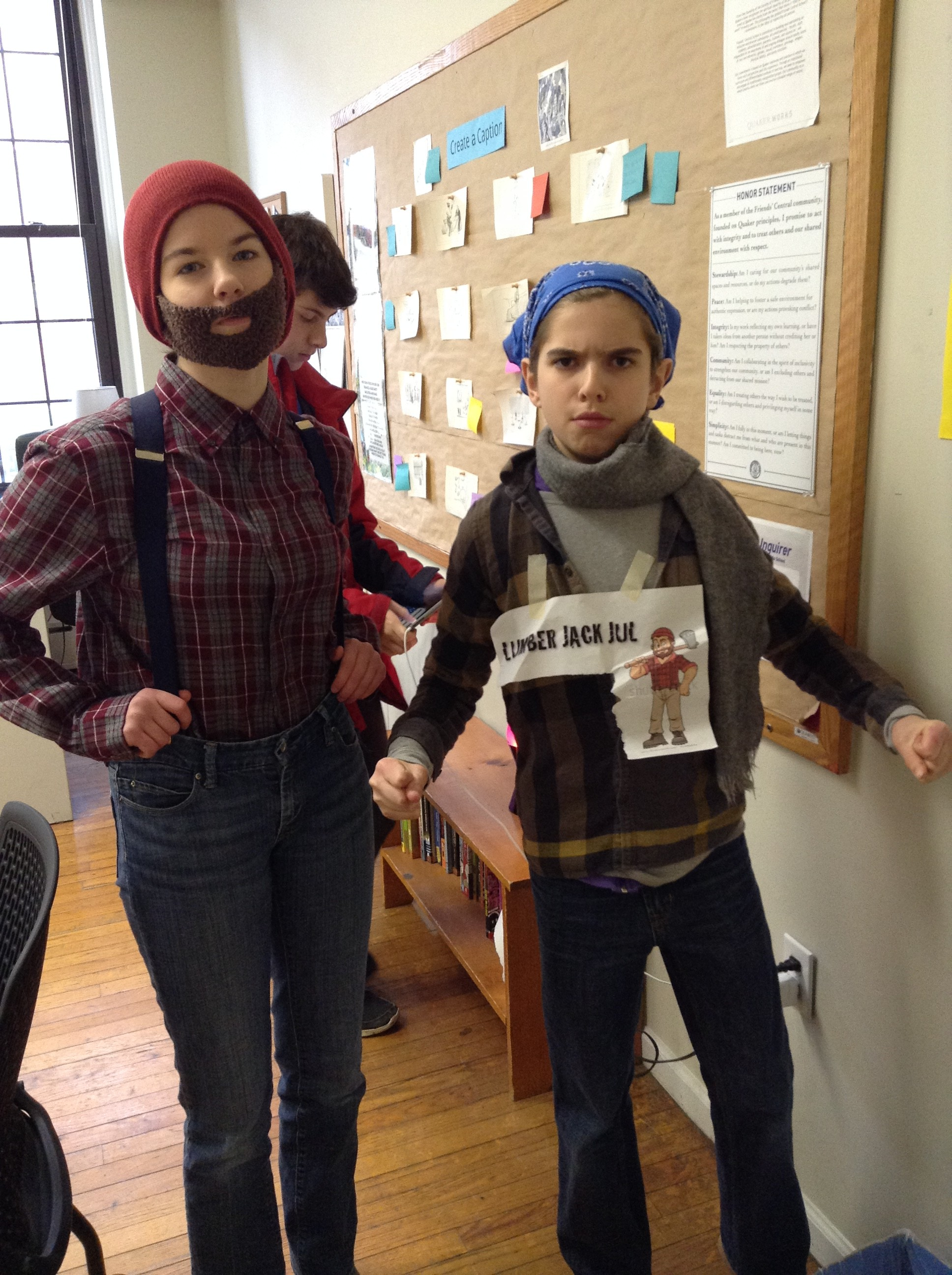 Dorothy '20 and Julian '20 enjoy lumberjack day by posing for the camera!