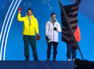 Shaun white winning gold medal for snowboarding