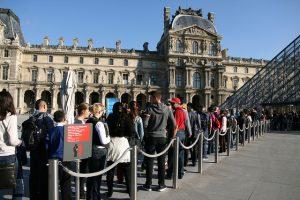 Louvre queue