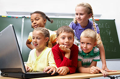 kids with computer 3