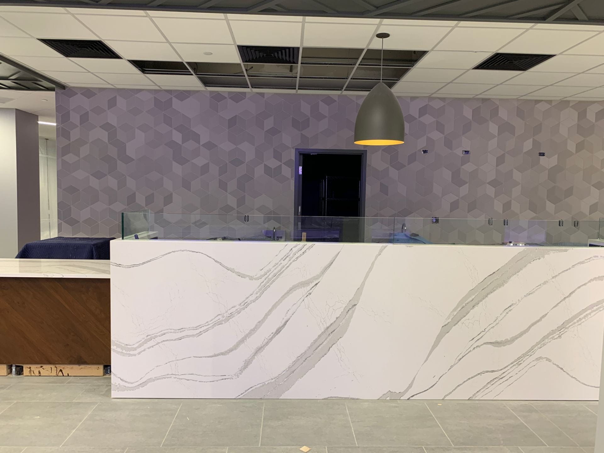 A picture of the faux marble counter in the cafe.