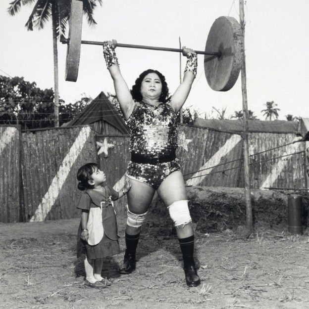 Shavanaas Begum with Her Three-year-old Daughter