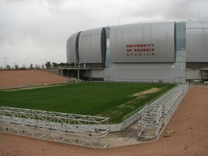 800px-University_of_Phoenix_Stadium_field_01