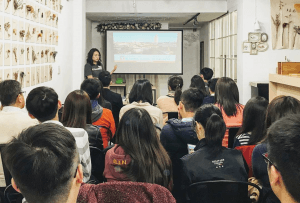 MBA alumna hosts an information session at a tea house in China, 2017