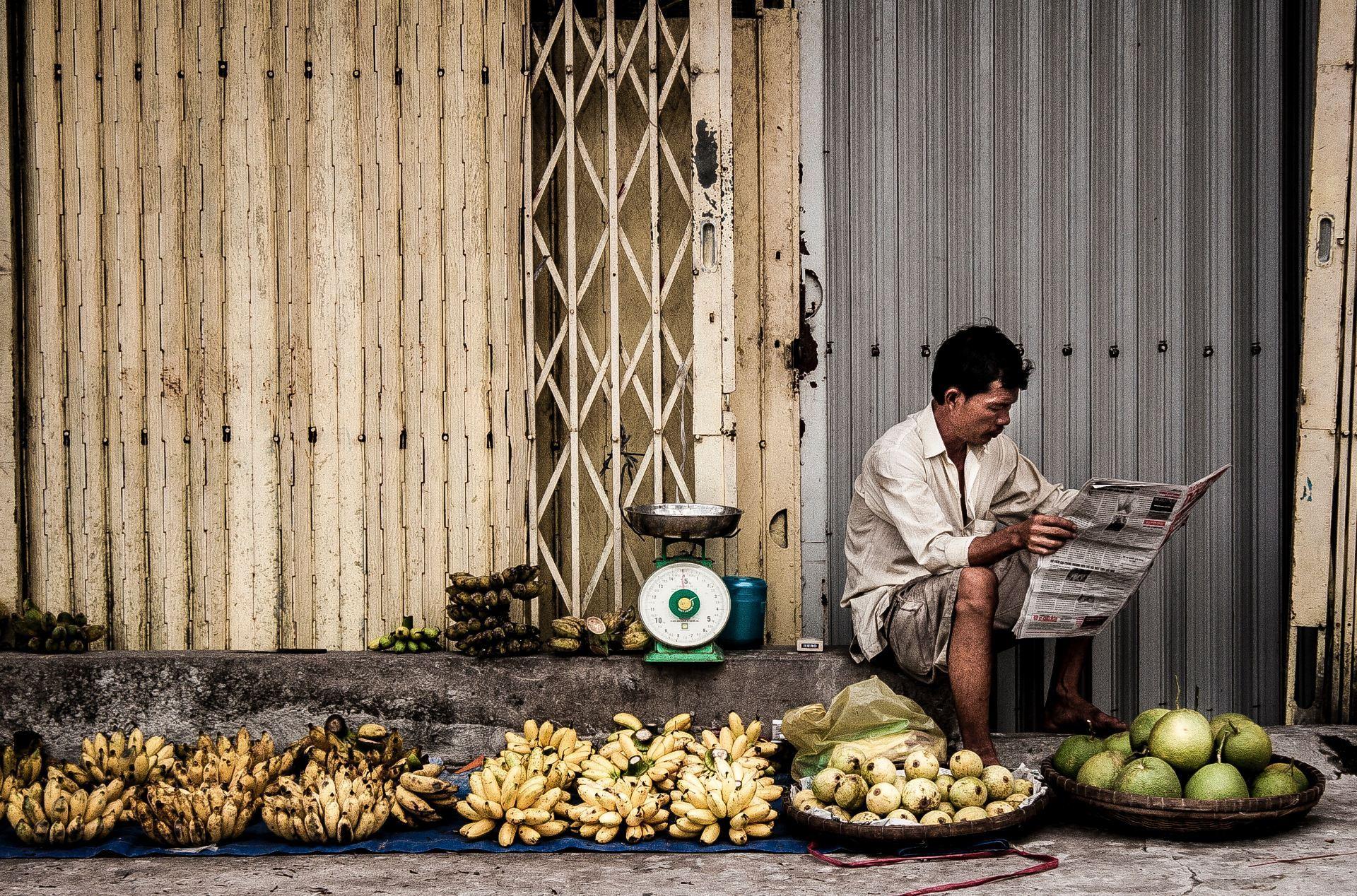 adult-bananas-business-723991-2mlg3se