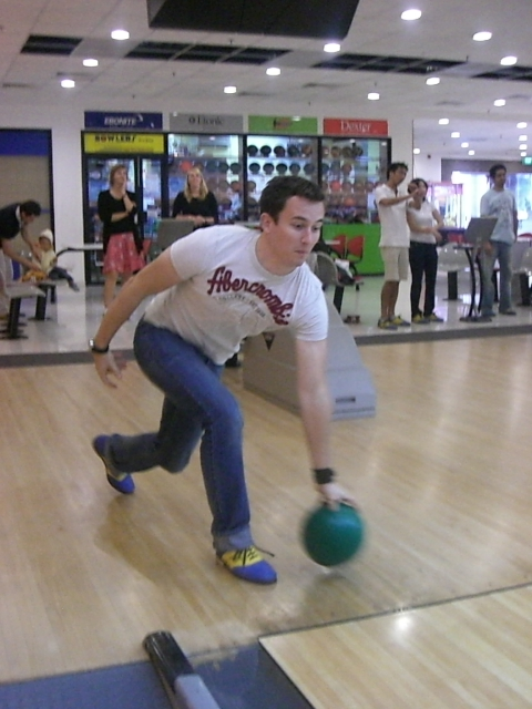 The NANYANG MBA Bowling Event 2011