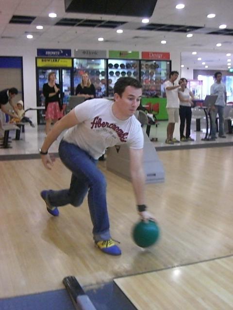 The NANYANG MBA Bowling Event 2011
