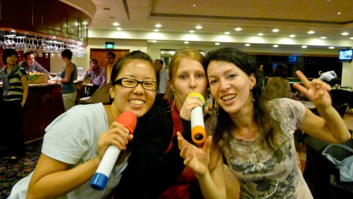 Our exchange peers from the USA, Christine (left) and Israel, Olga (right) with our classmate Janina (center)