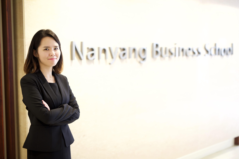 microsoft executive broadens horizons with nanyang waseda mba