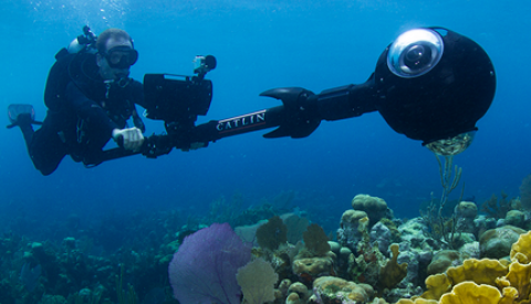 A Catlin Seaview Survey diver with the improved SVII-S camera, engineered for rapid deployment. (http://catlinseaviewsurvey.com/science/technology)