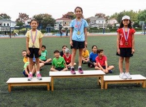 y5-girls-medal-10