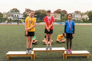 y6-girls-medal-11