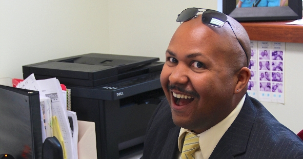 New Assistant Dean Tavares '01 Seeks to Give Back