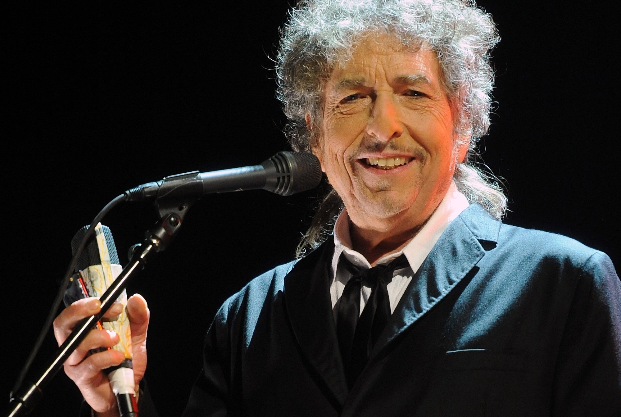 Bob Dylan A Living Legend Now Enshrined The Cowl
