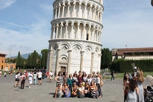 The Students in front of the  Leaning Tower