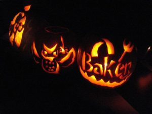 Annual Halloween Pumpkin Carving (2007)