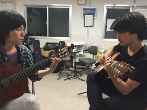 Donald's guitar lesson with Tomoya-san - Submitted by Daniel Gilmore