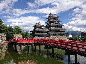 Matsumoto Castle: I liked the contrast between the gray castle and the red bridge, while coy fish were swimming in the water. It was supposed to rain this weekend, but it turned out to be a hot, sunny day. ~ Shweta Modi