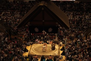 Nihon Sumo Kyokai Grand Tournament : Sumo, a modern Japanese martial arts which brings the nation's past to the present. - Erica Lin