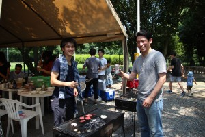 Sekitani-sensei and I grilling the Kobe Beef he bought for me at the lab summer barbeque. He bought around 2 kg of Kobe Beef as a sort of farewell present. Everyone had some and had a good time. We hosted it at a park and it was a beautiful day. I really respect Sekitani-sensei and it is such an honor to work in his laboratory. ~ Donald Swen