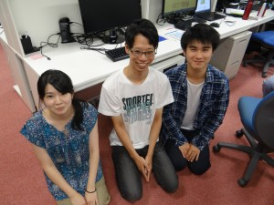My second to last day in the lab. Masahiro and Humika come to my farewell lunch and after getting back to the lab, we took this picture. Going to miss these two and all the lab shenanigans. ~ Donald Swen